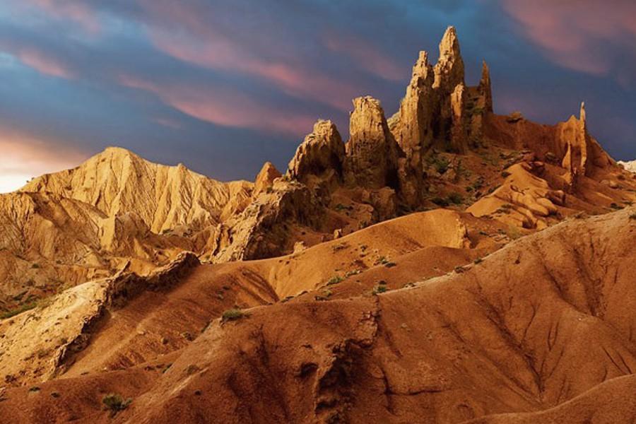 Южный берег Иссык-Куля, соленое озеро и каньон «Сказка»